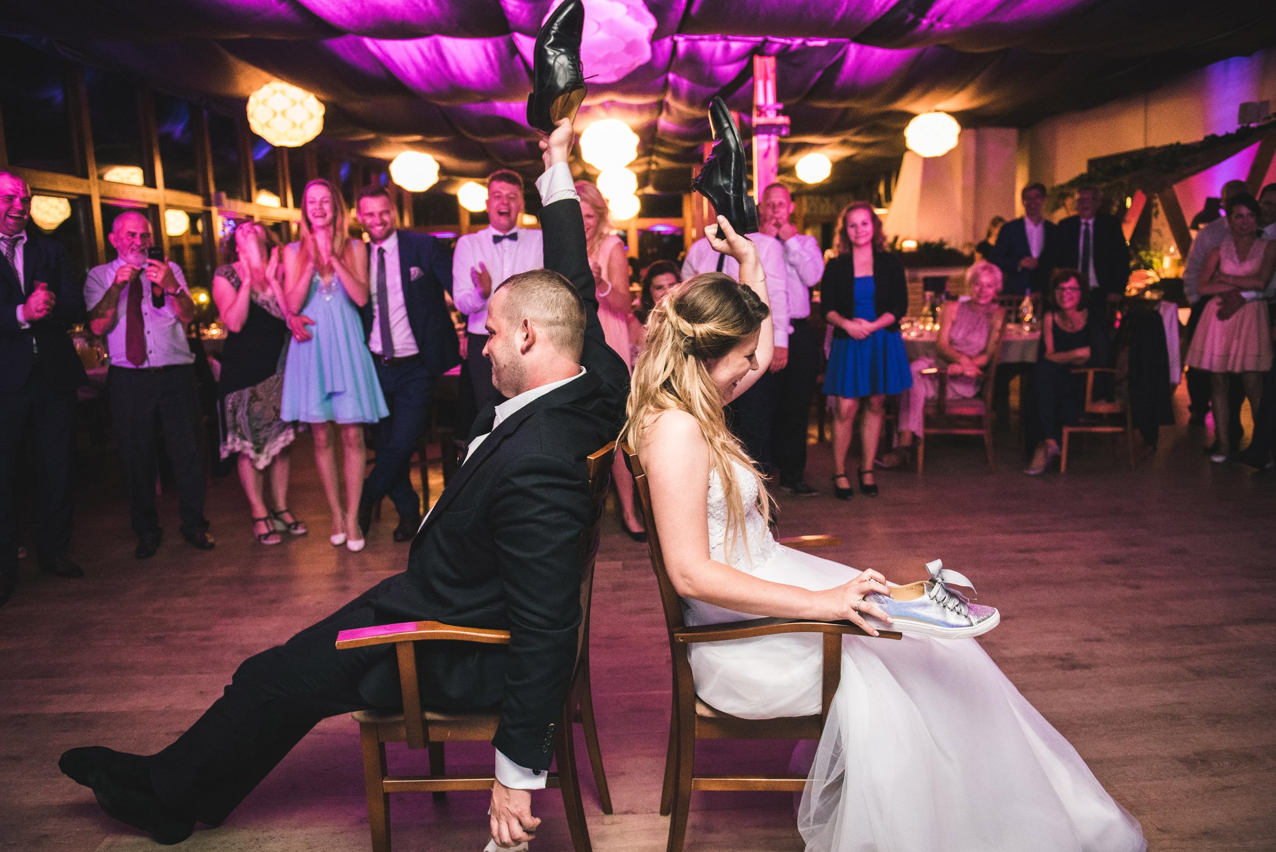 fotograf slubny warszawa 076 oczepiny zacisze anny korcz wesele