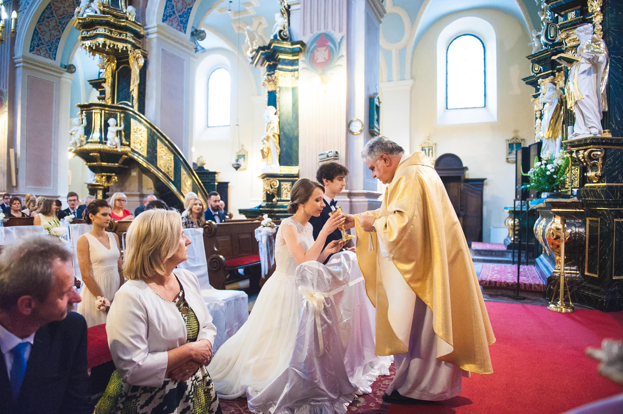 fotografia slubna pinczow 011 parafia sw apostola ewangelisty
