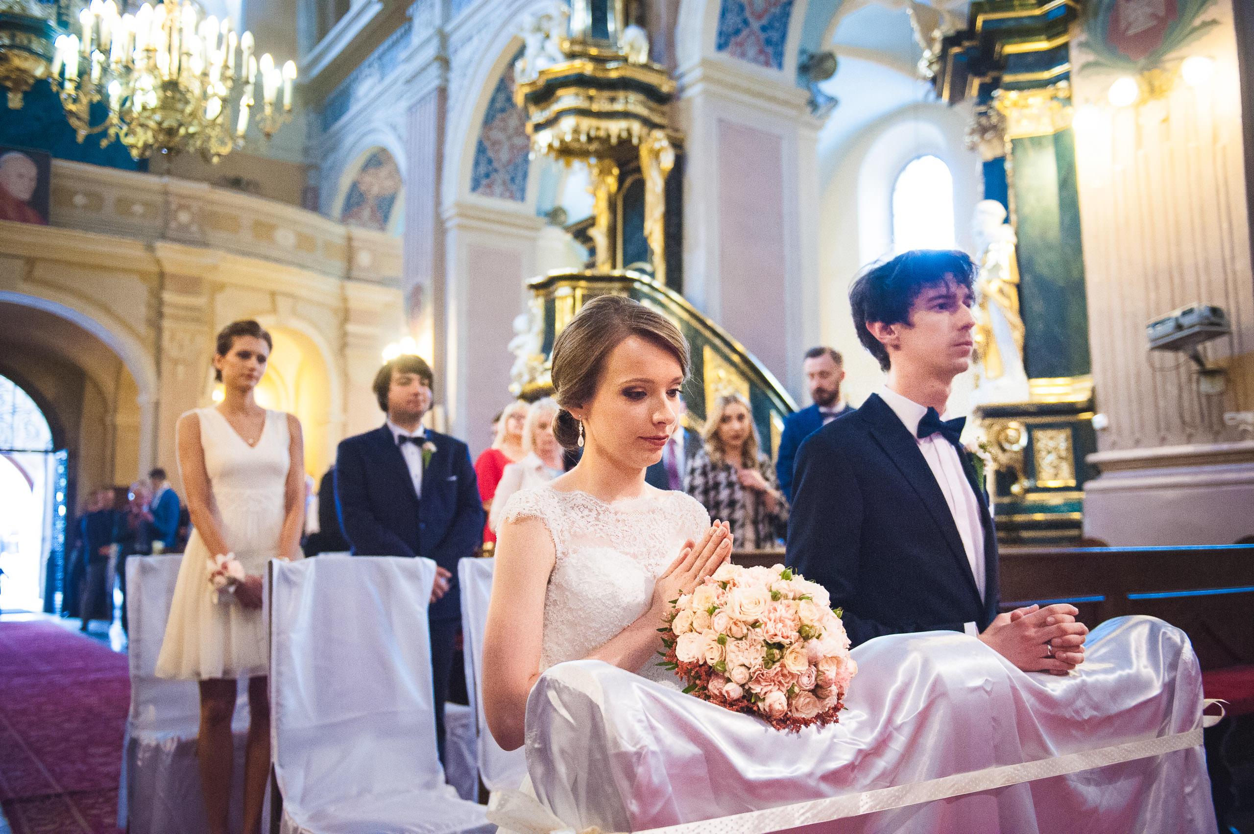 fotografia slubna pinczow 013 parafia sw apostola ewangelisty