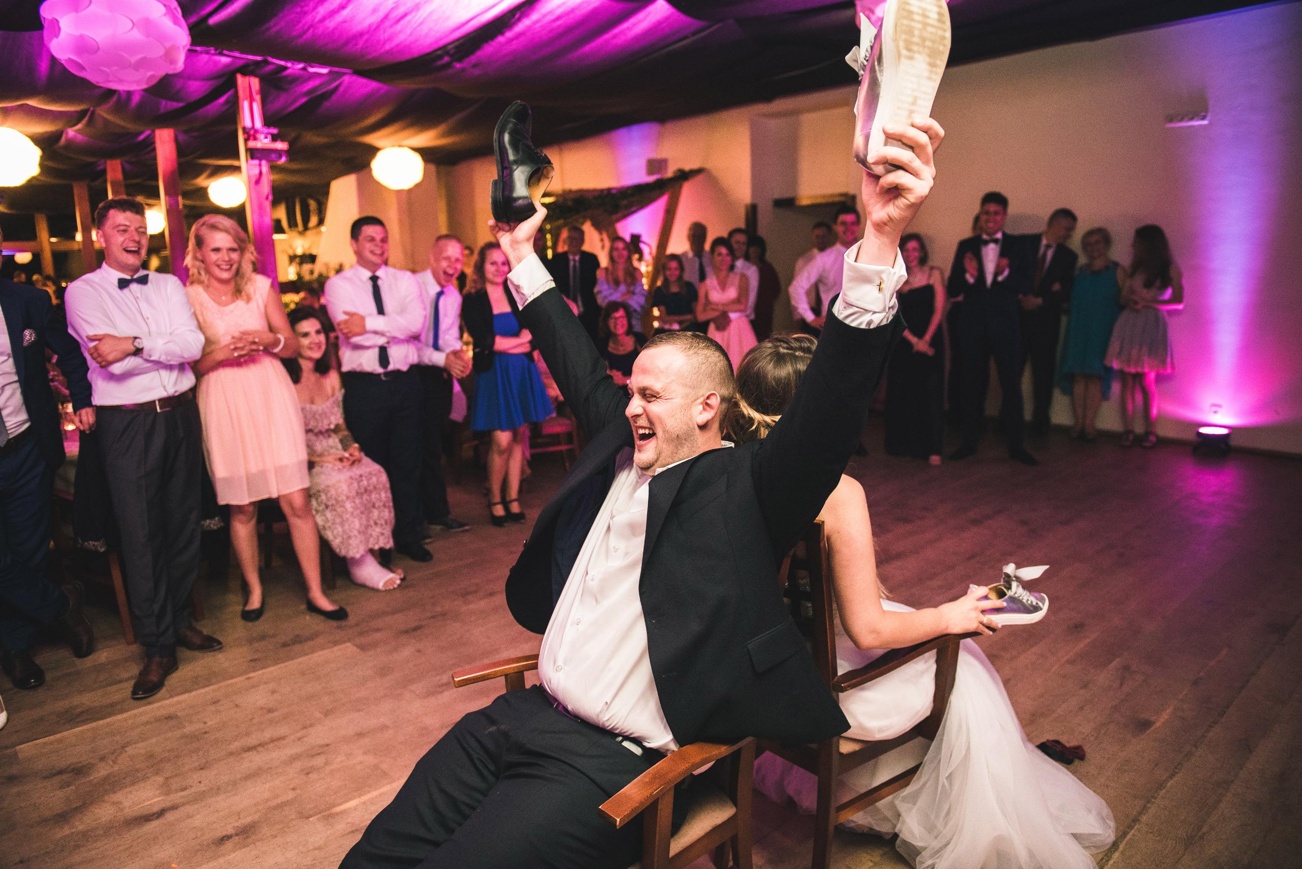 fotograf slubny warszawa 078 oczepiny zacisze anny korcz wesele