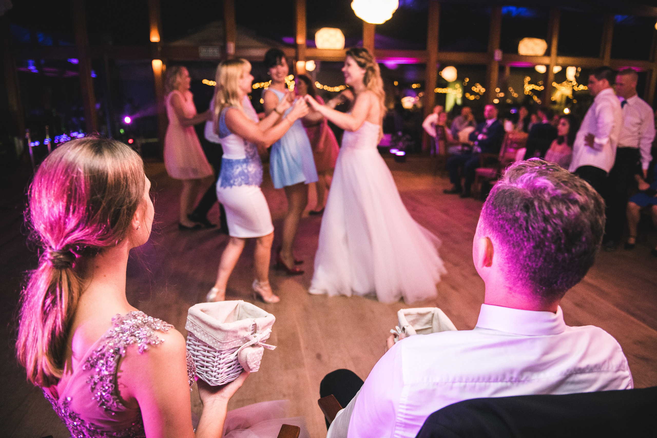 fotograf slubny warszawa 082 oczepiny zacisze anny korcz wesele